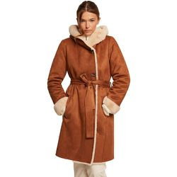 Manteau en fausse peau retournée - BURTON OF LONDON - Modalova