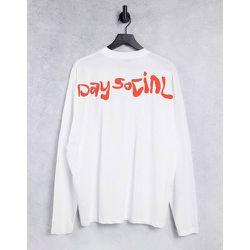 ASOS - Daysocial - T-shirt à manches longues oversize à logo imprimé orange dans le dos - ASOS Day Social - Modalova