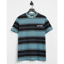 ASOS Daysocial - T-shirt à rayures avec logo sur la manche et le torse - Bleu sarcelle - ASOS Day Social - Modalova