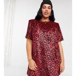 ASOS DESIGN Curve - Robe t-shirt courte à manches courtes et épaulettes en velours à imprimé léopard - ASOS Curve - Modalova