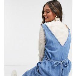 ASOS DESIGN Petite - Combinaison ample col V en jean souple - ASOS Petite - Modalova