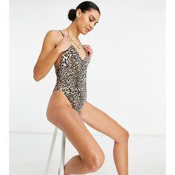 ASOS DESIGN Tall - Maillot 1pièce côtelé à bretelles avec boucle dans le dos - Imprimé léopard - ASOS Tall - Modalova