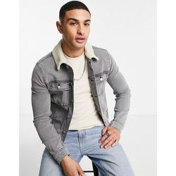 Veste en jean ajustée style western avec col imitation peau de mouton - délavé - ASOS DESIGN - Modalova