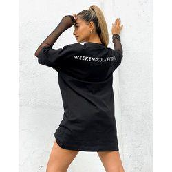 ASOS - Weekend Collective - Robe t-shirt double épaisseur avec manches en tulle et logo - ASOS Weekend Collective - Modalova