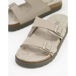 Sandales style claquettes à boucles - Taupe - Bershka - Modalova
