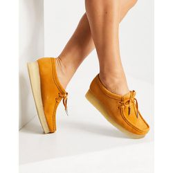 - Wallabee- Chaussures plates en daim - Safran - Clarks Originals - Modalova