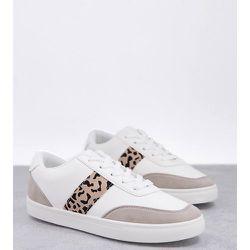 Wide Fit - Baskets à lacets avec rayures léopard sur les côtés - Blanc - London Rebel - Modalova
