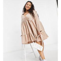 Robe babydoll à volants - Taupe - NaaNaa Plus - Modalova