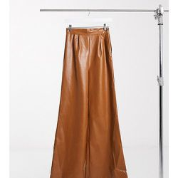 Pantalon large imitation cuir - Fauve - NaaNaa Tall - Modalova