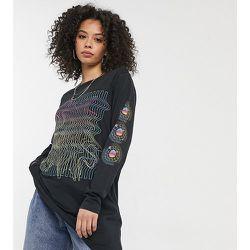 Exclusivité - T-shirt oversize à motif et imprimé sur la manche - Noisy May Tall - Modalova
