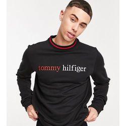Exclusivité ASOS - Sweat-shirt confort à logo sur le devant - Tommy Hilfiger - Modalova