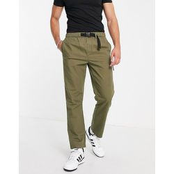 Pantalon droit ceinturé à coutures apparentes - Kaki - Topman - Modalova