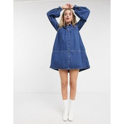 Robe babydoll courte en jean - délavé moyen - Topshop - Modalova
