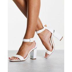 Sandales à talon carré avec détail en métal - Truffle Collection - Modalova