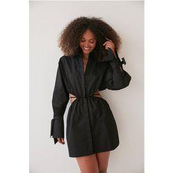 Robe Avec Détails À La Taille - Black - Angelica Blick x NA-KD - Modalova