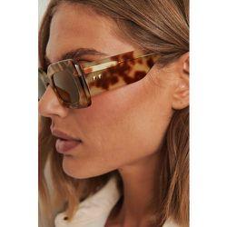 Lunettes de soleil monture épaisse en acétate - Brown - NA-KD Accessories - Modalova